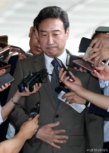 [사진]질문 받는 이규진 전 상임위원