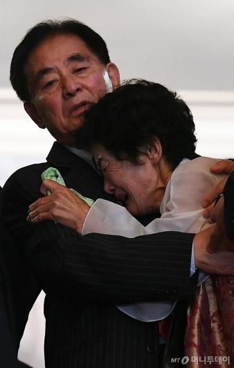 [사진]'작별의 슬픔'