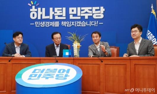 [사진]이해찬 신임 대표 예방한 청와대 정무라인