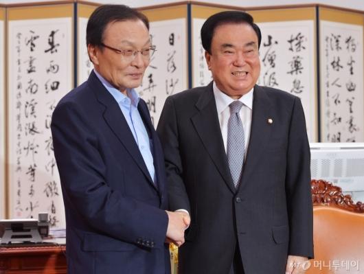 [사진]국회의장 예방한 이해찬 민주당 신임 대표