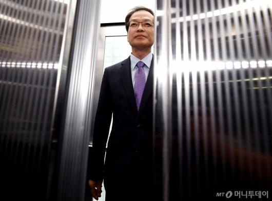 [사진]수사결과 발표 마친 허익범 특검