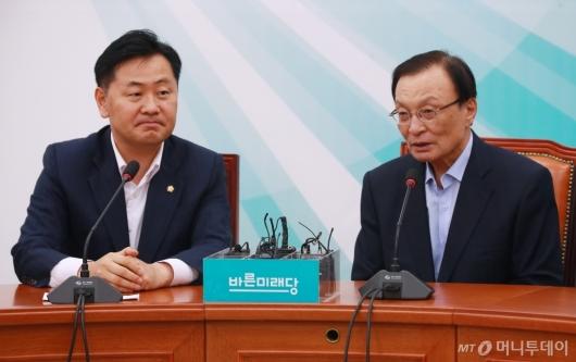 [사진]김관영 원내대표 찾은 이해찬 신임 대표