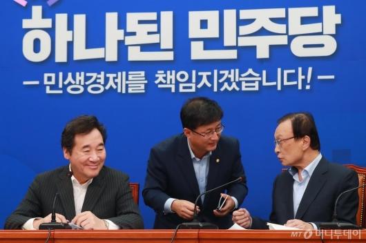 [사진]고위당정청 준비하는 이낙연 총리-이해찬 대표