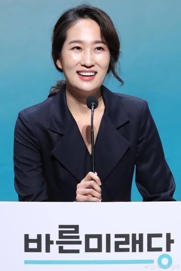 [사진]인사말하는 김수민 후보