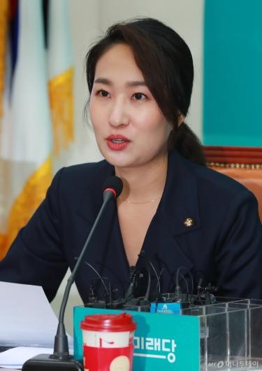 [사진]모두발언하는 김수민 바른미래당 전국청년위원장