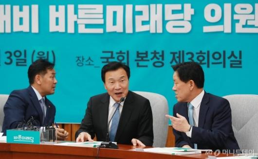 [사진]대화하는 손학규 신임대표-주승용 국회부의장