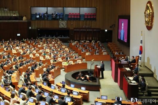 [사진]이해찬 민주당 대표, 국회 교섭단체 대표연설
