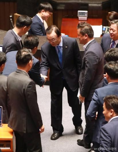 [사진]대표연설 마친 이해찬 민주당 대표