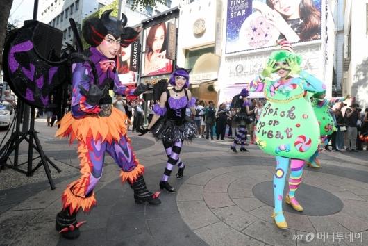 [사진]에버랜드, 도심서 즐기는 거리공연