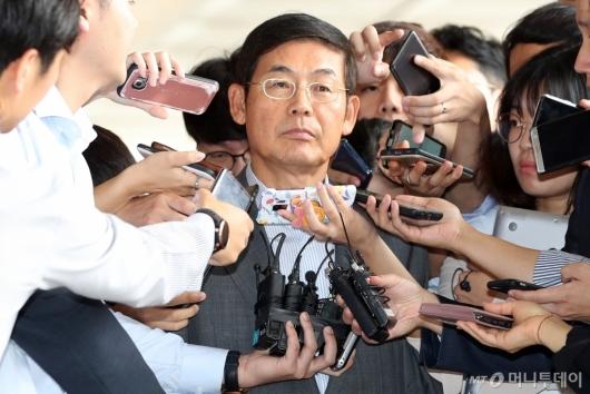 [사진]이상훈 삼성전자 의장 검찰 출석