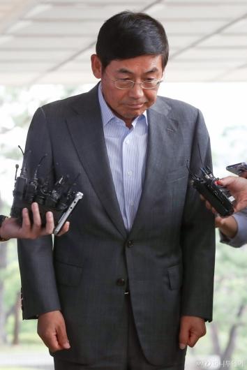[사진]인사하는 이상훈 삼성전자 의장