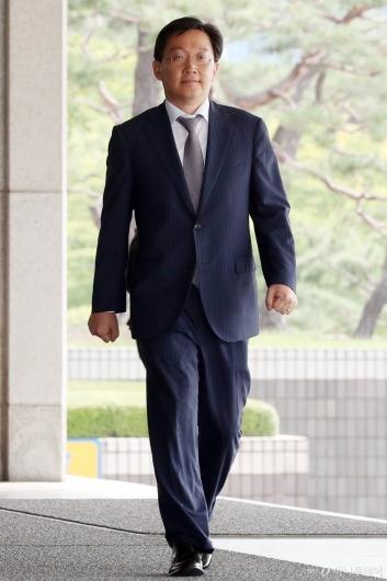 [사진]검찰 출석하는 곽병훈 전 청와대 법무비서관