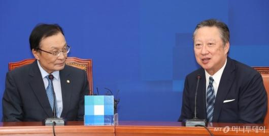 [사진]박용만 회장, 이해찬 대표 예방
