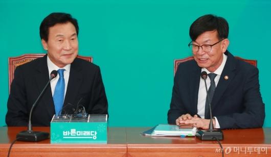 [사진]김상조 공정위원장, 손학규 바른미래당 대표 예방