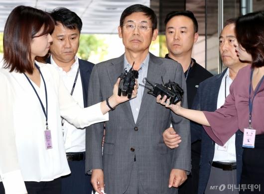 [사진]영장실질심사 출석하는 이상훈 삼성전자 의장