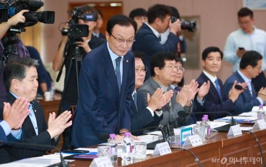 [사진]경기도청 방문한 이해찬 민주당 대표