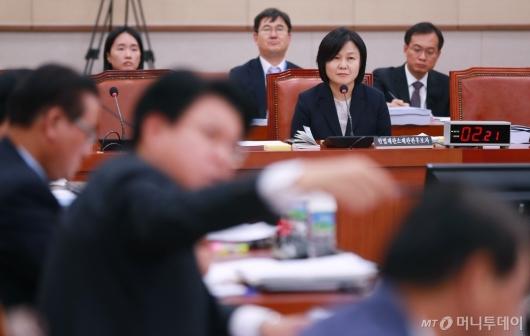 [사진]'8차례 위장전입' 맹공받는 이은애 헌법재판관 후보자