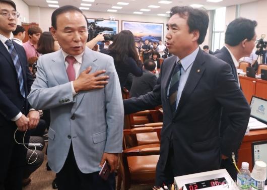 [사진]'택지개발 후보지 정보유출로 오전 국토위 파행