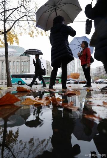 [사진]미세먼지 씻어주는 늦가을 비