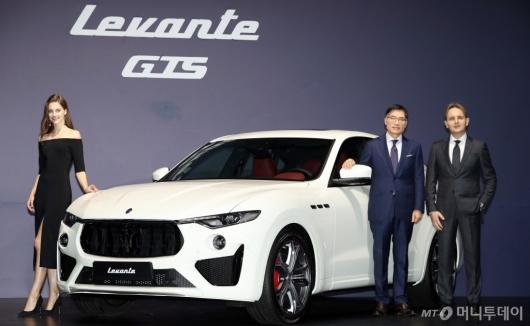 [사진]마세라티, V8 엔진 장착 '르반떼 GTS' 출시