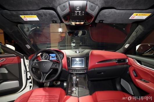 [사진]마세라티 '르반떼 GTS'의 실내