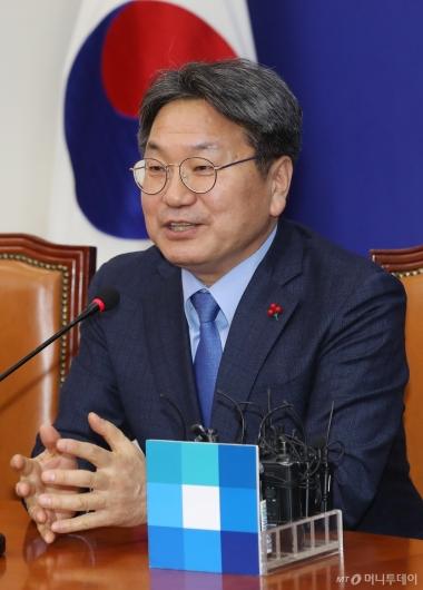 [사진]인사말하는 강기정 신임 청와대 정무수석