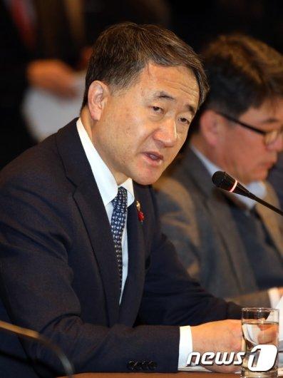 [사진] 모두발언하는 박능후 보건복지부 장관