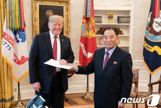 """""""트럼프-김정은 2차 회담, 장소는 하노이가 유력"""""""