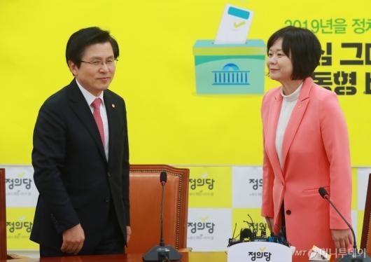 [사진]황교안-이정미, 김경수 판결 관련 질문에 '갑분싸'