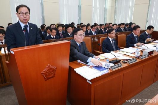[사진]'공직선거법 개정안' 등 행안위 전체회의 개최