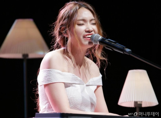 \'K팝스타\' 이진아, 피아니스트 신성진 결혼