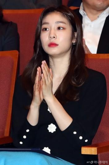 [사진]박수치는 김연아