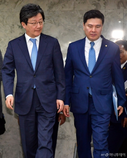 [사진]의총 참석하는 유승민-지상욱 바른미래당 의원