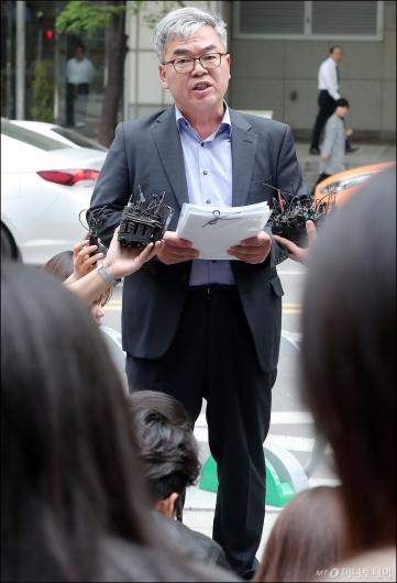 [사진]입장 밝히는 박훈 변호사