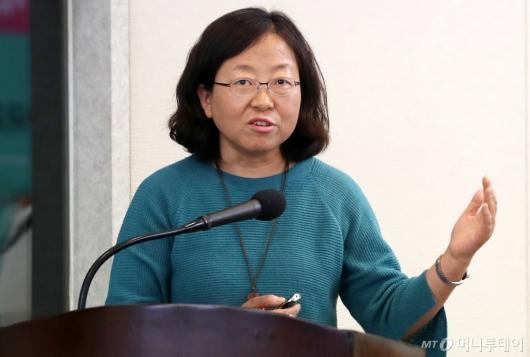 [사진]정은미 연구위원, '지역 먹거리 자치의 실천'