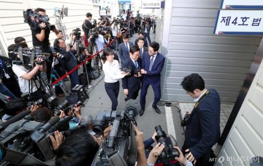 [사진]'이재명 경기지사의 운명은?'