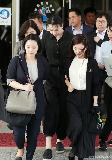 [사진]공판 마친 조현아 전 대한항공 부사장