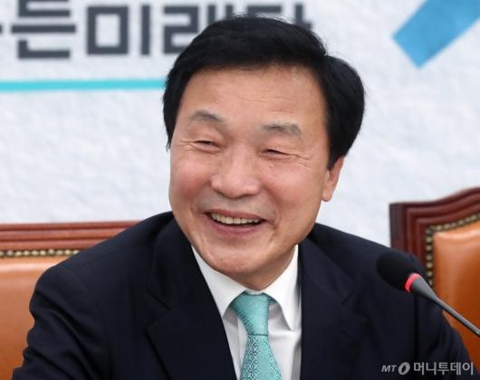 [사진]손학규, '사퇴 압박 정면 돌파'