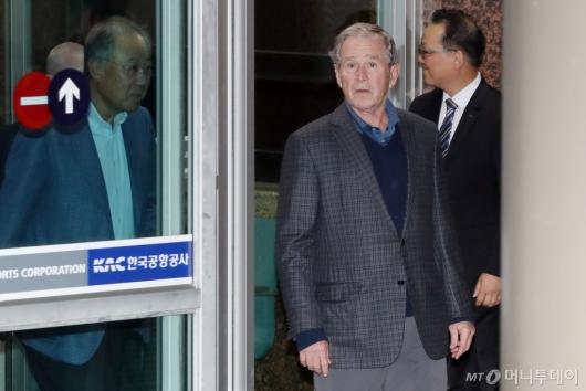 [사진]서울 도착한 조지 부시