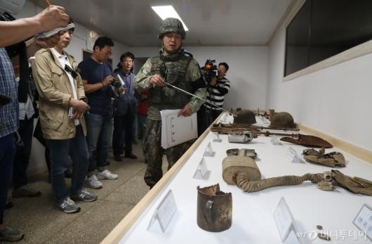 [사진]DMZ 평화 둘레길 투어 나선 기자들