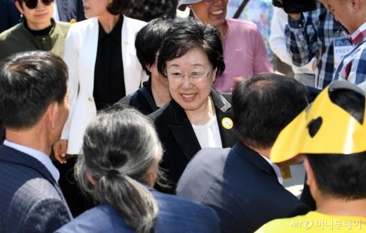 [사진]故 노무현 전 대통령 10주기 참석한 한명숙 전 총리