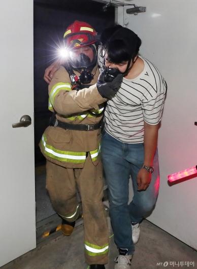 [사진]'인천공항 셔틀트레인 화재 대피 훈련'