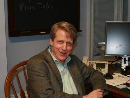 ↑코네티컷주 뉴헤이븐의 연구실에서 만난 로버트 실러 미 예일대 교수.
