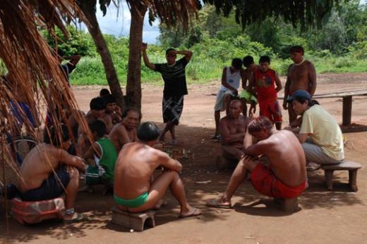 ↑아마존 원주민들과 함께한 정승희 미디어아마존 대표.(본인 제공)