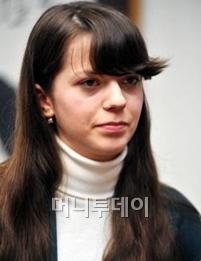 """""""아이돌보다 바둑이 좋아요"""" 푸른눈 소녀의 꿈"""