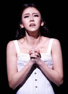 ↑ 유리지바고와 운명적 사랑에 빠지는 라라 역의 김지우 ⓒ오디뮤지컬컴퍼니