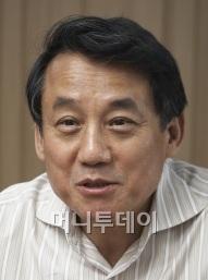↑이문용 원익IPS 대표이사 부회장