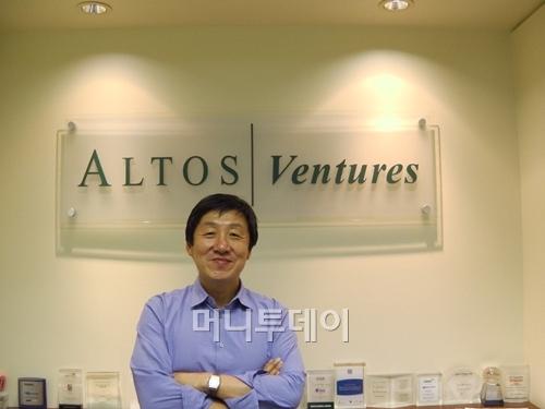 김한준 대표는 한국이 결코 작은 시장이 아니라고 강조한다. '빨리 돈 벌겠다'가 아니라 '좋은 회사를 만들겠다'는 자세로 사업을 시작한다면 앞으로 3~5년은 한국 젊은이들에게는 절호의 기회가 될 것이라고 말한다.
