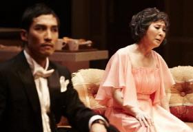 ↑연극 '댄스레슨'에는 화려한 춤 속에 삶의 이야기가 고스란히 담겨있다. ⓒCJ E&M