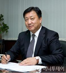 """매출 12년만에 1만6680%↑..""""코스닥 우등생 되겠다"""""""